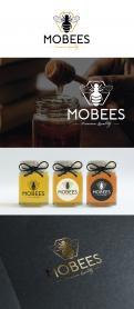 Logo # 1015077 voor Logo voor imkerij MoBees wedstrijd